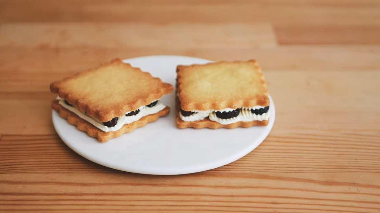 Rum Raisins Sandwich Cookies Recipe