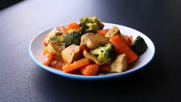 Chicken within vegetables
