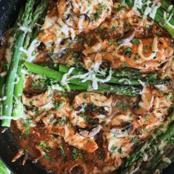 KETO Creamy Chicken Mushrooms & Asparagus