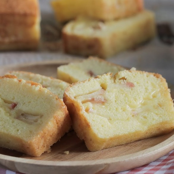 Cheesy-Apple-Butter-Cake
