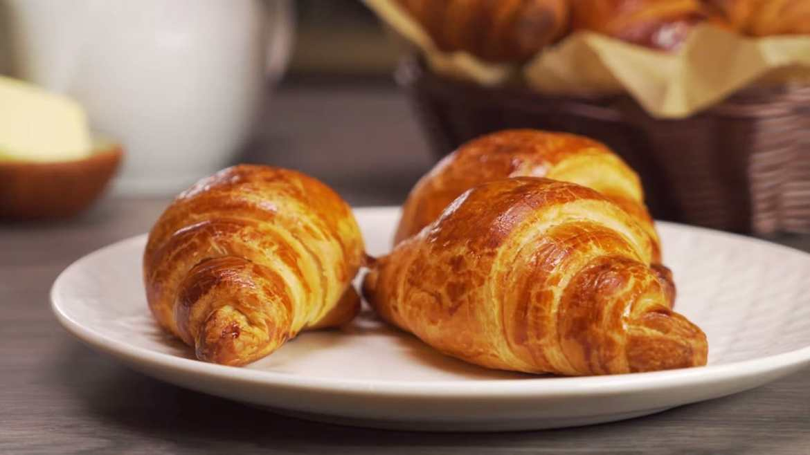 Homemade Croissant (PUFF PASTRY)   Crispy & Fluffy Croissants in 30 MIN