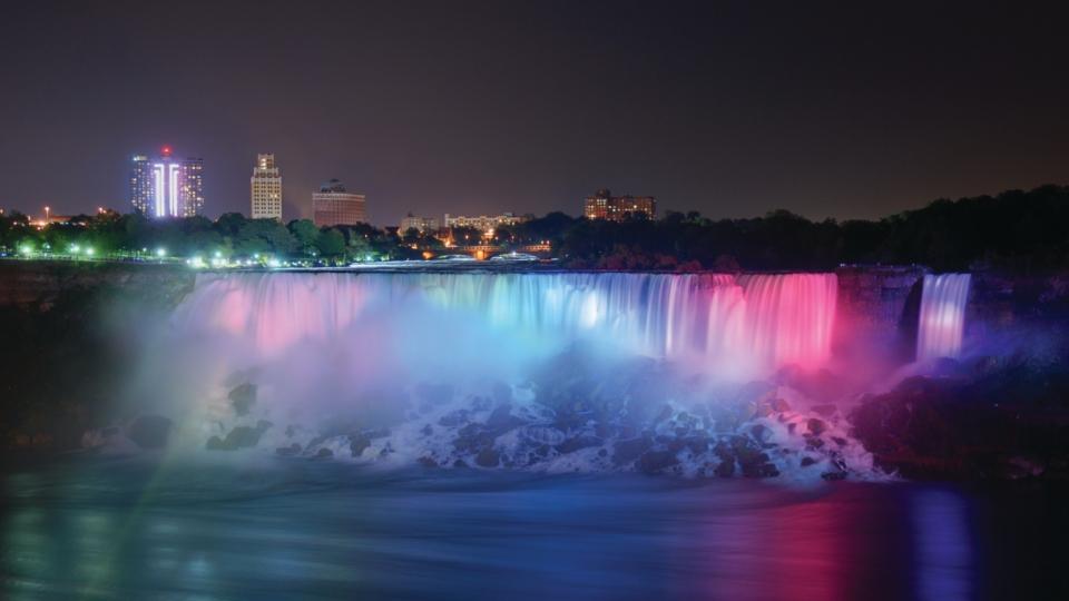 Niagara Falls Night Wallpaper Photos Amtrak Vacations 174 Official Site Niagara Falls Amp Toronto