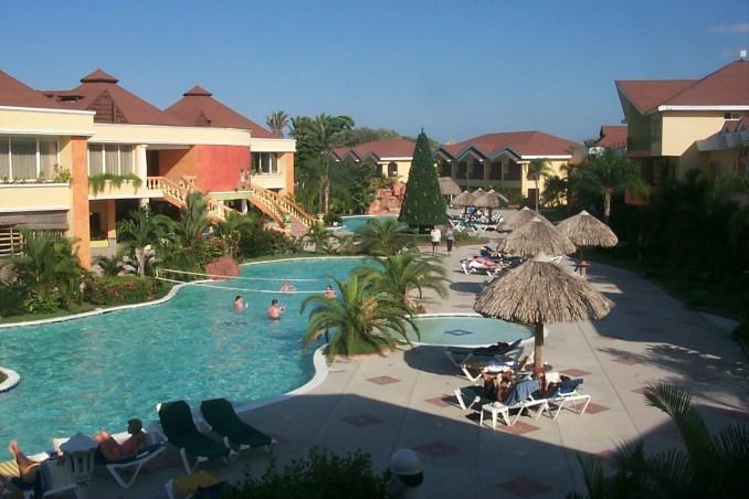 Palma Real Hotel pool in La Ceiba Honduras