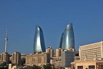 Азербайджан продлил до конца мая запрет на въезд иностранцев