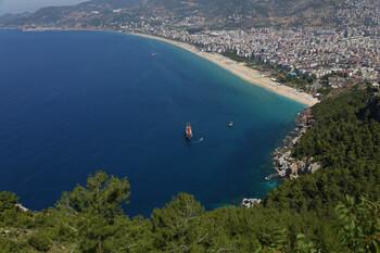 Десятки тысяч россиян забронировали туры в Турцию