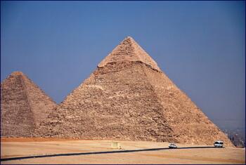 Египет с 1 сентября откроет для туристов пирамиды и музеи
