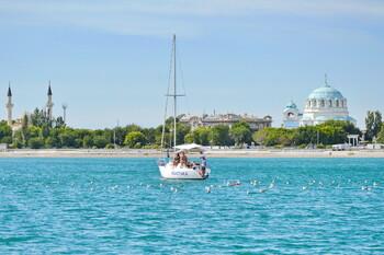 Крым принял первый в этом сезоне миллион туристов