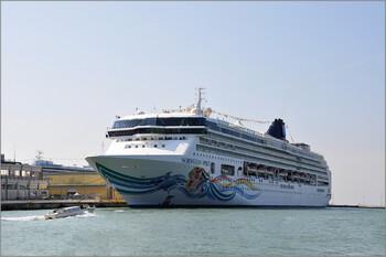 Norwegian Cruise Line продлевает приостановку круизов до конца октября
