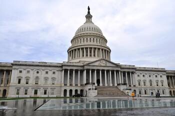 США объявили о приостановке иммиграции на два месяца