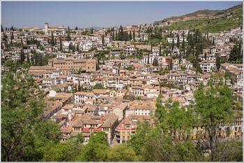 В Испании власти призывают граждан соблюдать самоизоляцию