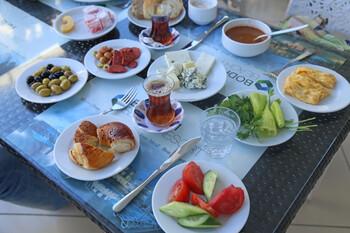 В Турции заявили, что не откажутся от «шведского стола»