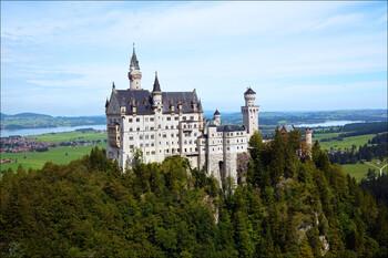 Замок Нойшванштайн в Германии откроется для туристов с июня