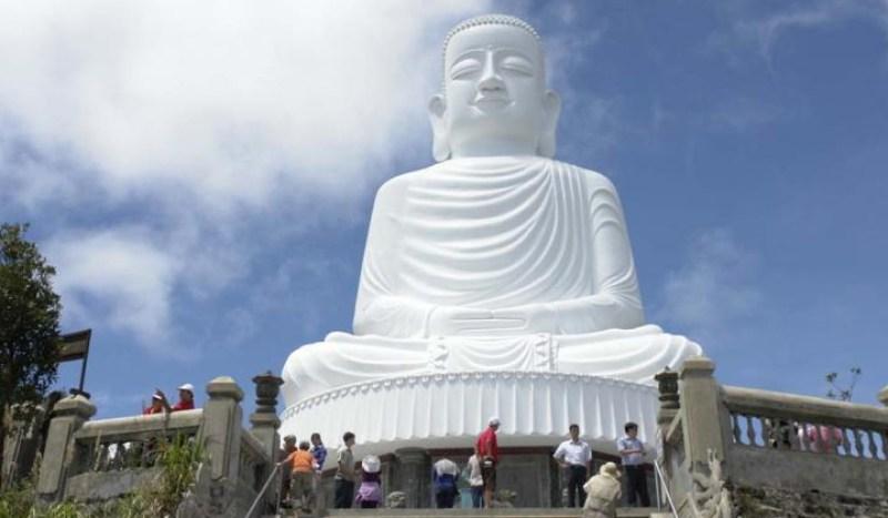 tượng phật chùa Linh phong
