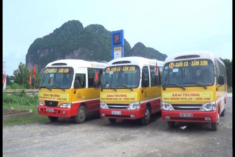 xe bus đi suối cá từ sầm sơn