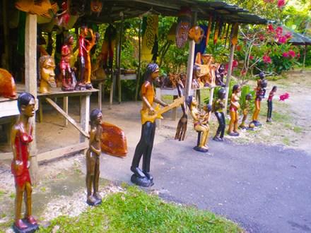 Craft's Market | Book Jamaica Excursions | bookjamaicaexcursions.com | Karandas Tours