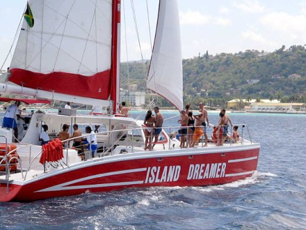 Catamaran Party Cruise with Snorkeling | Book Jamaica Excursions | bookjamaicaexcursions.com | Karandas Tours