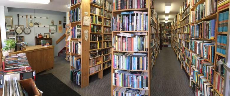 The Owl Pen Bookshop - best independent bookstores in Canada