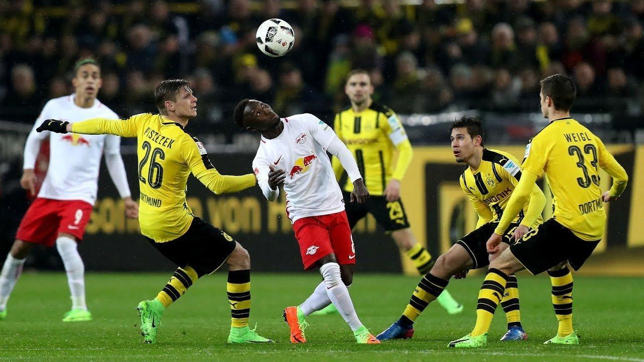 Смотреть игру боруссия дортмунд гамбург сегодня