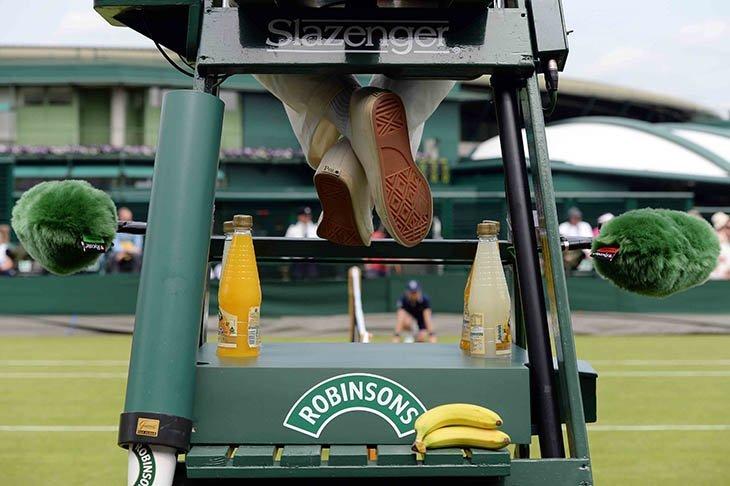Двох тенісних арбітрів дискваліфіковано через порушення правил щодо боротьби з договірними матчами