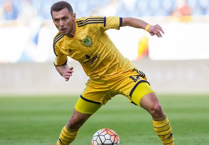 Артем Касьянов у грі з «Дніпром» - яка, скоріше за все, стане останнім матчем гравця в складі «Металіста»