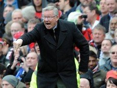 Главный тренер 'Манчестер Юнайтед' сэр Алекс Фергюсон во время игры с 'Эвертоном'