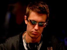 Бывший школьный учитель Брент Хэнкс выиграл свой первый покерный турнир на World Series of Poker