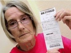 Счастливая Линда Элдред, получившая прибыль с проигравшей ставки