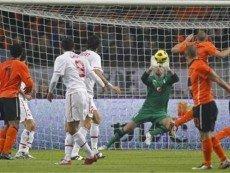 Эпизод матча между голландцами и турками