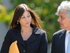 Дженнифер Пунси вместе с адвокатом