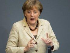 Канцлеру Германии на форуме придется смотреть по сторонам