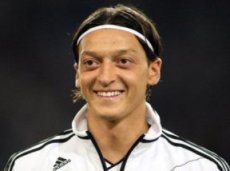 Месут Озил не оставит австрийцев без пропущенных мячей