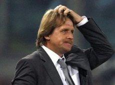 Немецкий специалист должен мотивировать своих игроков, иначе в ближайшее время вылетит из кресла главного тренера