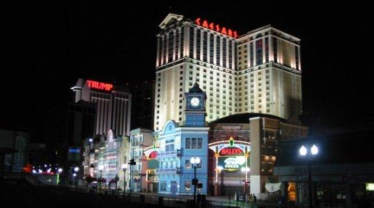 Онлайн-гемблинг должен поддерживать на плаву наземные казино