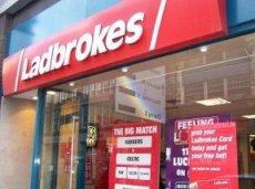 Компания Ladbrokes сообщила о крупных выплатах из-за побед топ-семерки АПЛ