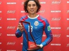 Очоа пизнан MVP матча Бразилия - Мексика
