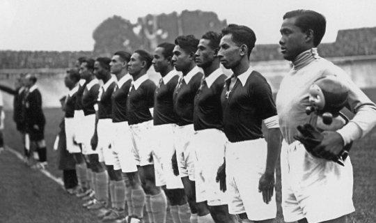 Сборная Голландской Ост-Индии-1938 преодолела более 11-ти тысяч километров ради одного матча