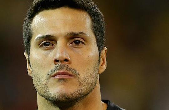 Жулио Сезар - главный герой матча бразильцев за выход в четвертьфинал