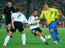 Роналдо в 2002-м году повел за собой сборную Бразилии