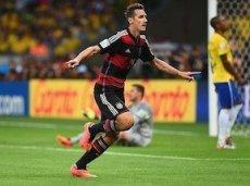 Миро Клозе забил свой рекордный гол на чемпионате мира в Бразилии, в игре со сборной Бразилии и обошел бразильца
