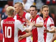 «Аякс» в чемпионате Голландии 2014/2015 на своем поле проиграл «ПСВ» 1:3