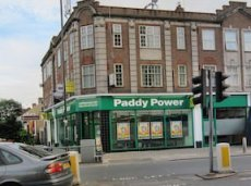 Paddy Power имеет три «бетшопа» на Лондон-Роуд