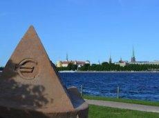 Латвийский регулятор обновлял список уже 13 раз