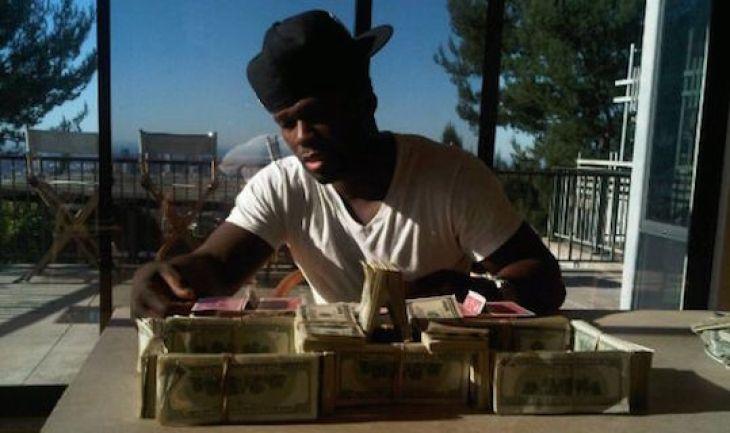 Рэпер известен ненасытной любовью к деньгам