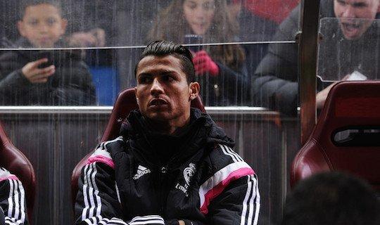 Роналду начал мадридское дерби на скамейке запасных