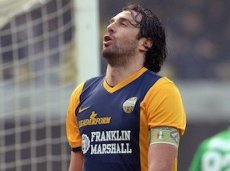 Лука Тони забил очередной гол в матче с «Пармой»