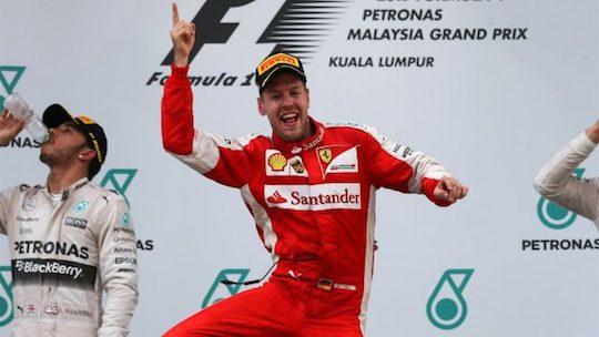 Себастьян Феттель поставил под сомнение доминирование Mercedes своей победой в Куала-Лумпуре