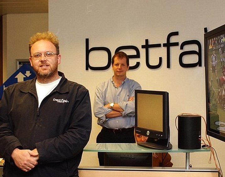 Эндрю Блэк (на переднем плане) и Эд Рэй, со-основатели ставшей уже легендарной в мире беттинга биржи ставок Betfair