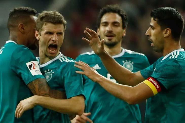 Мюллер забил красивый гол в ворота Де Хеа