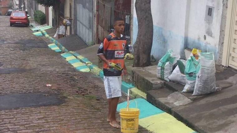 Габриэл Жесус красит дорогу перед ЧМ-2014 в Бразилии.