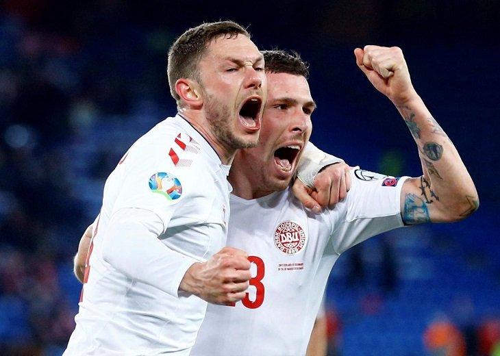 Сборная Дании отмечает фантастический камбэк в матче с Швейцарией